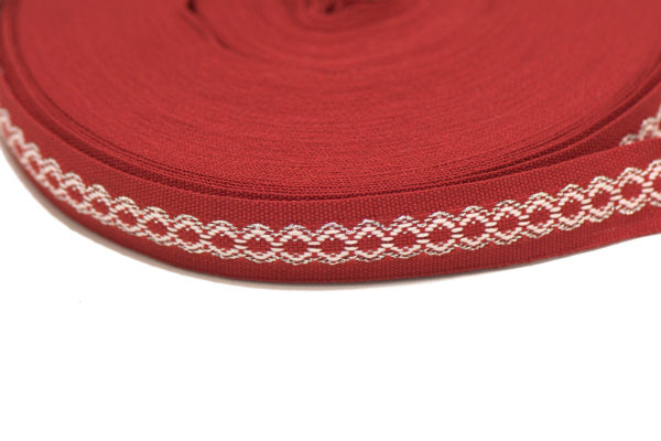 Лента с фолклорни мотиви (шевица), в червен, бял и сребрист цвят, 1.8 см